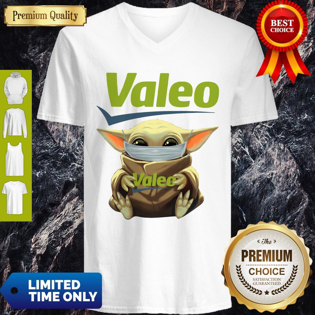 Good Star Wars Baby Yoda Hug Valeo Mask Covid 19 V-neck