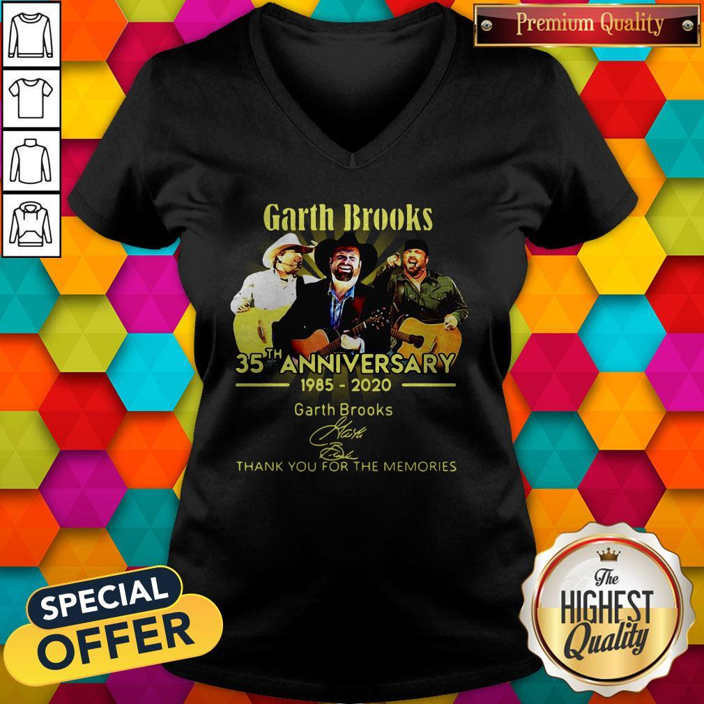 Good Garth Brooks 35th Anniversary 1985 2020 Thank You For The Memories Signatures V-neck