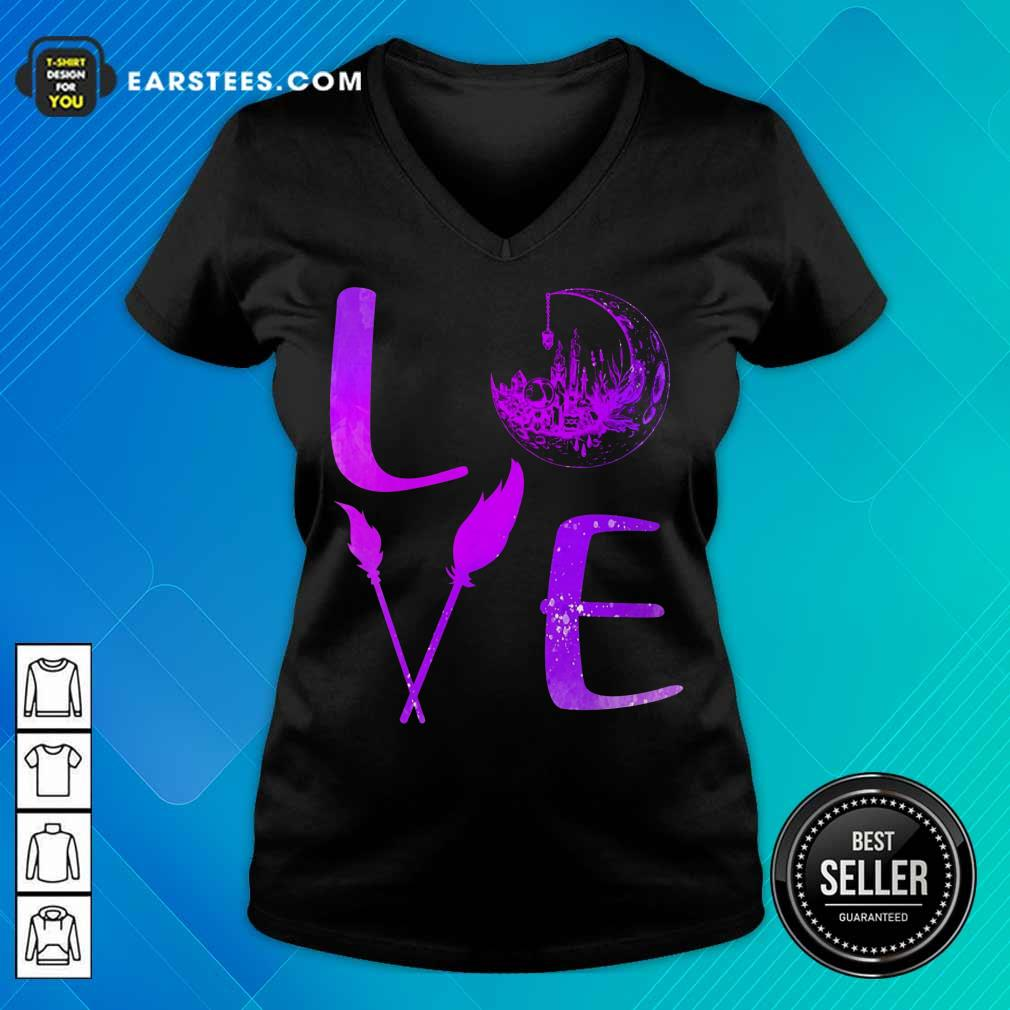 Top Love Witch V-Neck