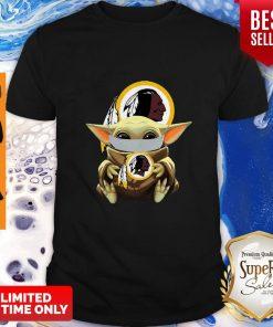 Top Star Wars Baby Yoda Face Mask Washington Redskins Shirt