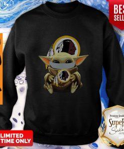 Top Star Wars Baby Yoda Face Mask Washington Redskins Sweatshirt