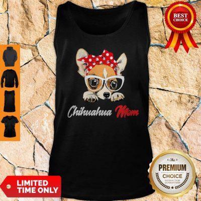 Nice Chihuahua Wear Glasses Dog Mom Tank Top