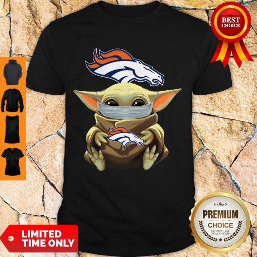 Top Baby Yoda Face Mask Denver Broncos Tee Shirt