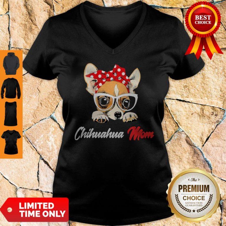 Nice Chihuahua Wear Glasses Dog Mom V-neck