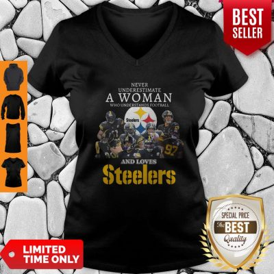 Good Never Underestimate A Woman Understands Football Love Steelers V-neck