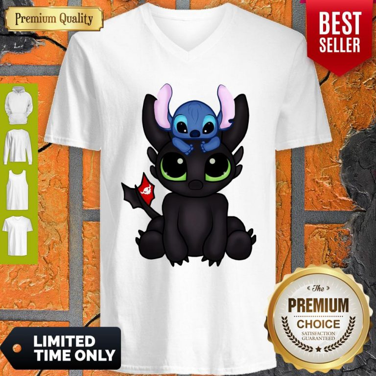 Awesome Baby Toothless Dragon And Stitch Flag V-neck