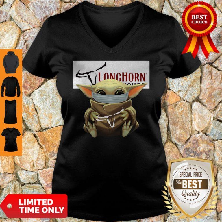 Nice Baby Yoda Mask Hug Longhorn Steakhouse V-neck