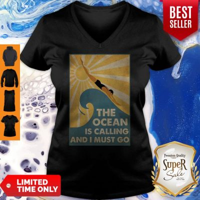Premium Swimming The Ocean Is Calling And I Must Go Poster V-neck