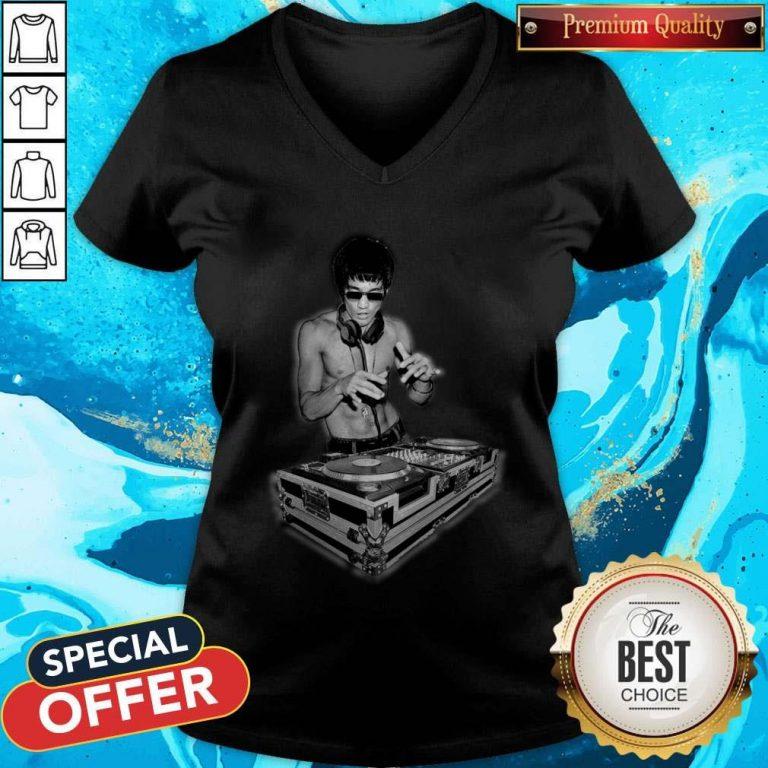 Top DJ Bruce Lee V-neck