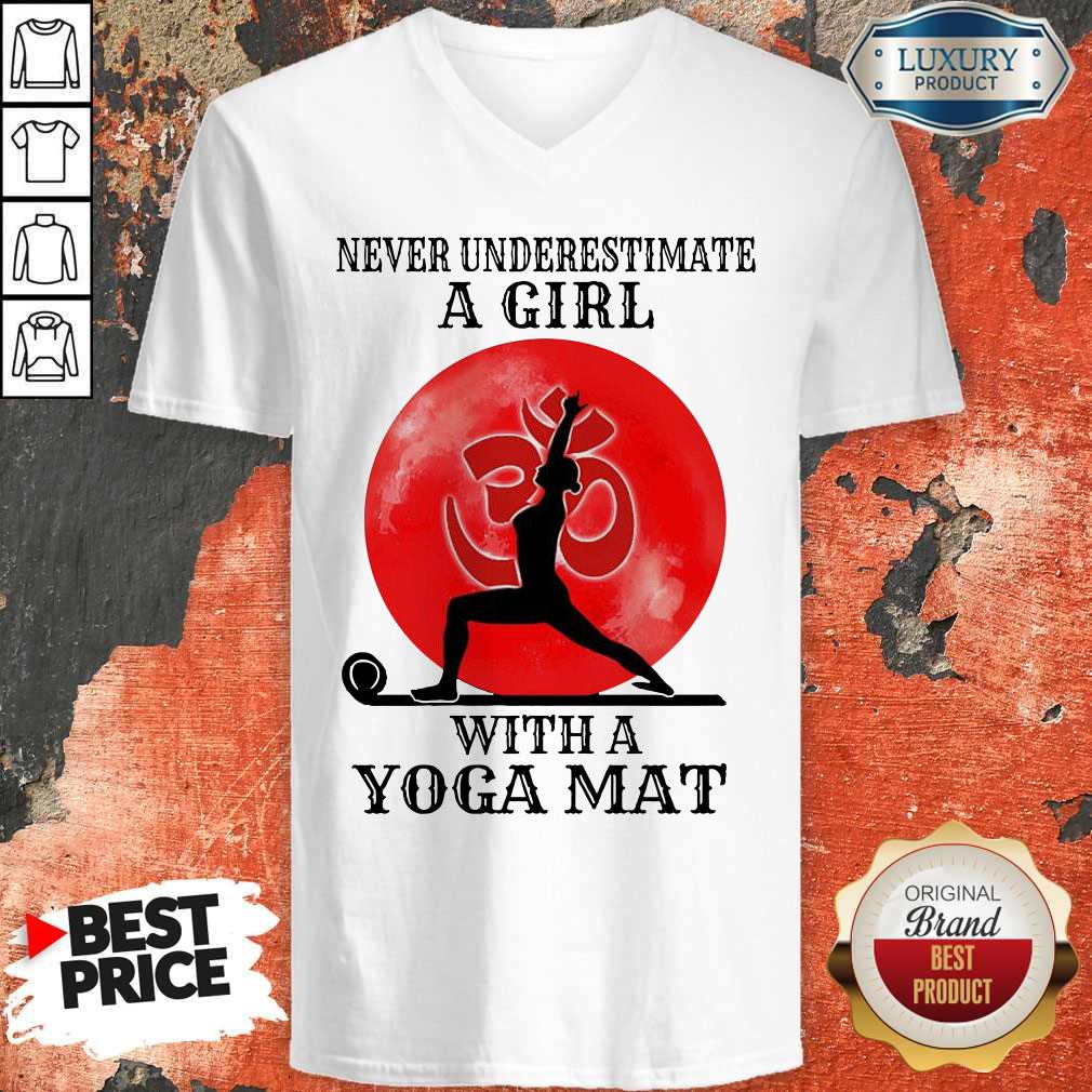 Awesome Never Underestimate A Girl With A Yoga Mat Moon V-neck