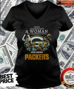 Official Never Underestimate A Woman Who Understands Baseball And Loves Packers V-neck