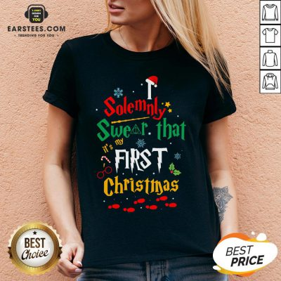 Solemnly Swear It's My That First Christmas Hat Santa V-neck - Design By Earstees.com