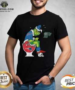 Good The Grinch Buffalo Bills Shit On Toilet New England Patriots Christmas Shirt - Design By Earstees.com