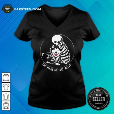 Skeleton Hug Husky You Make Me Feel Alive V-neck - Design By Earstees.com