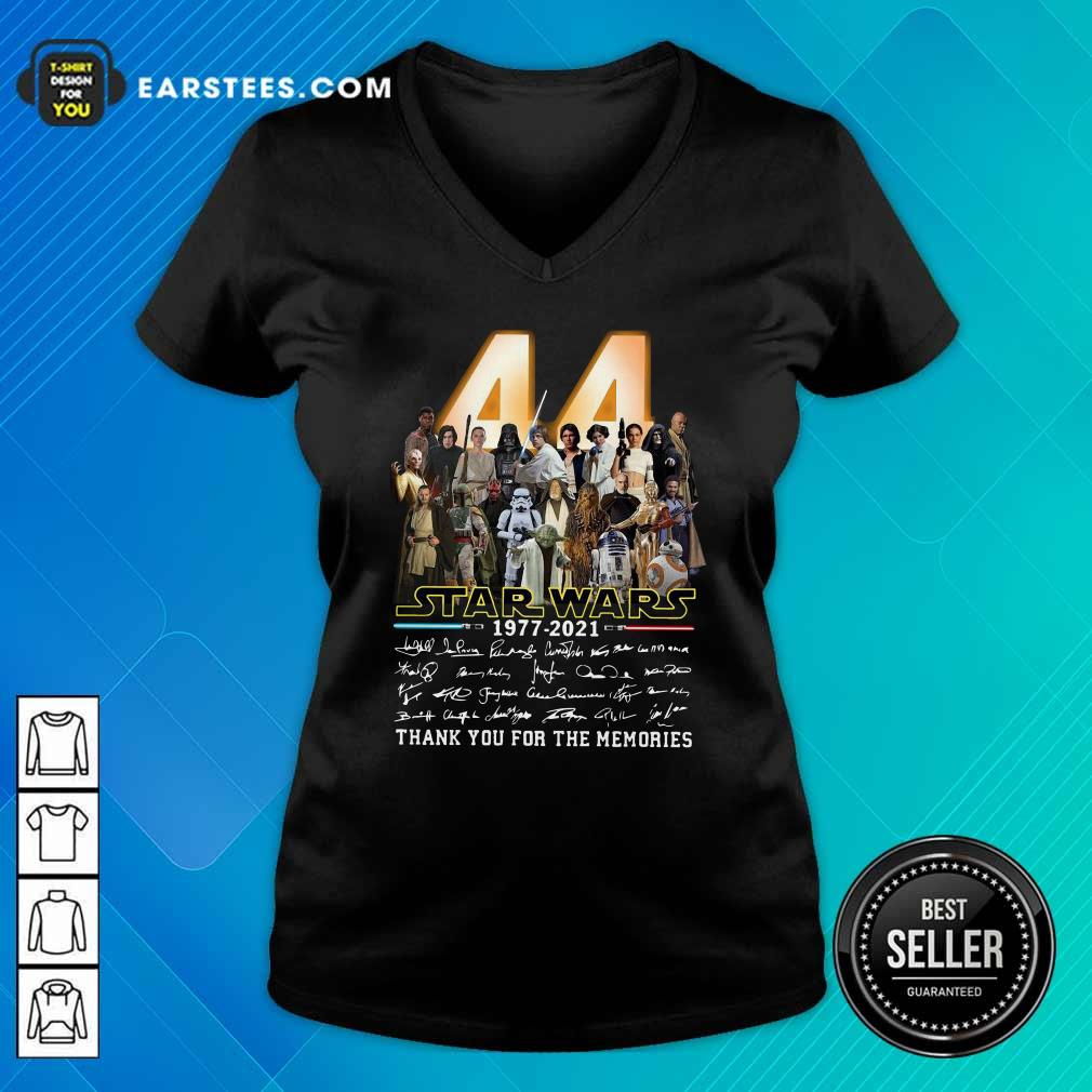 44 Years Of Star Wars 1977 2021 Thank You For The Memories Signatures V-neck - Design By Earstees.com