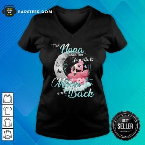 Flamingo This Nana Loves Her Grandkids To The Moon And Back V-neck - Design By Earstees.com