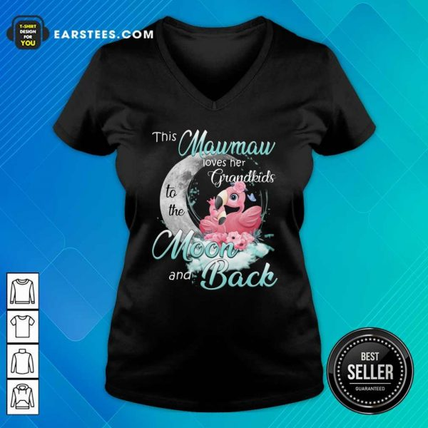 Flamingo This Mawmaw Loves Her Grandkids To The Moon And Back V-neck - Design By Earstees.com