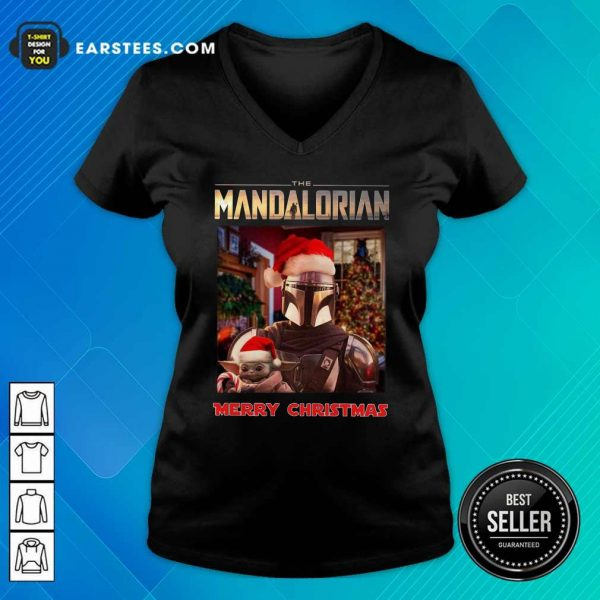 Star Wars The Mandalorian And Baby Yoda Merry Christmas V-neck- Design By Earstees.com