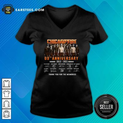 Chicago Fire 09th Anniversary 2012 2021 Signatures Thank V-neck- Design By Earstees.com