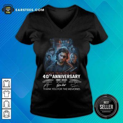 Fantastic Escape New York Anniversary 4 V-neck