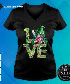 Love Hippie Gnome Happy St Patricks Day V-neck- Design By Earstees.com