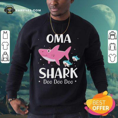 Oma Shark Doo Doo Mother Day Sweatshirt- Design By Earstees.com