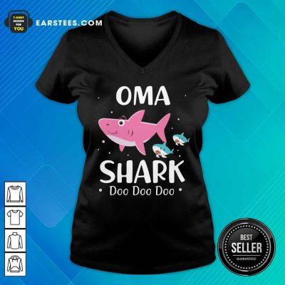 Oma Shark Doo Doo Mother Day V-neck- Design By Earstees.com