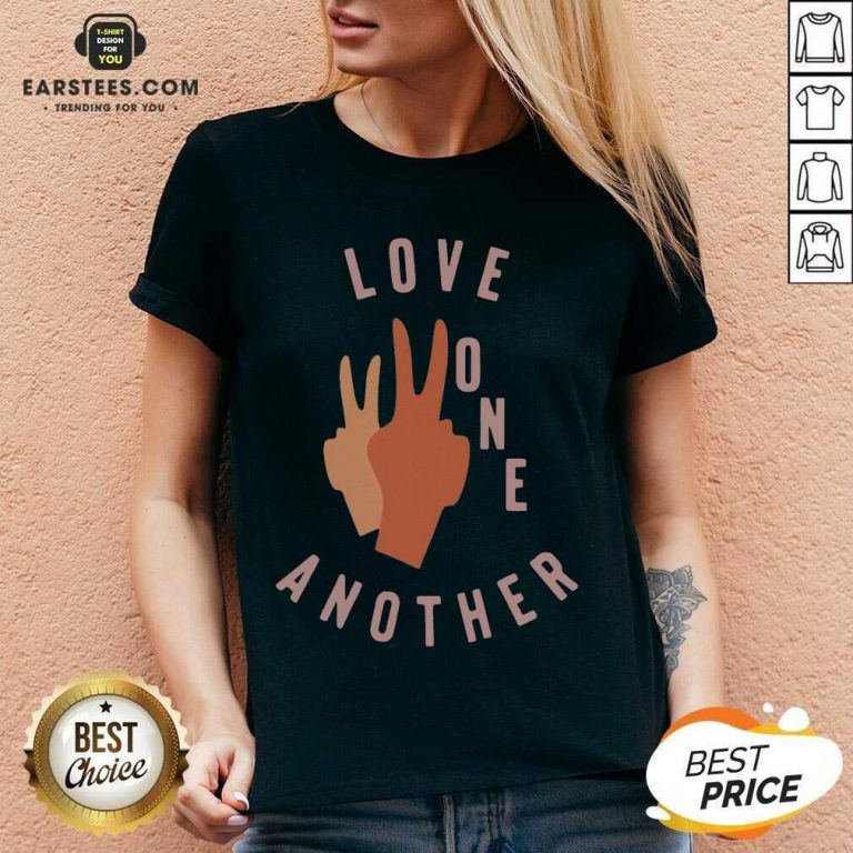 Top Old Navy Love One Another 2021 V-neck
