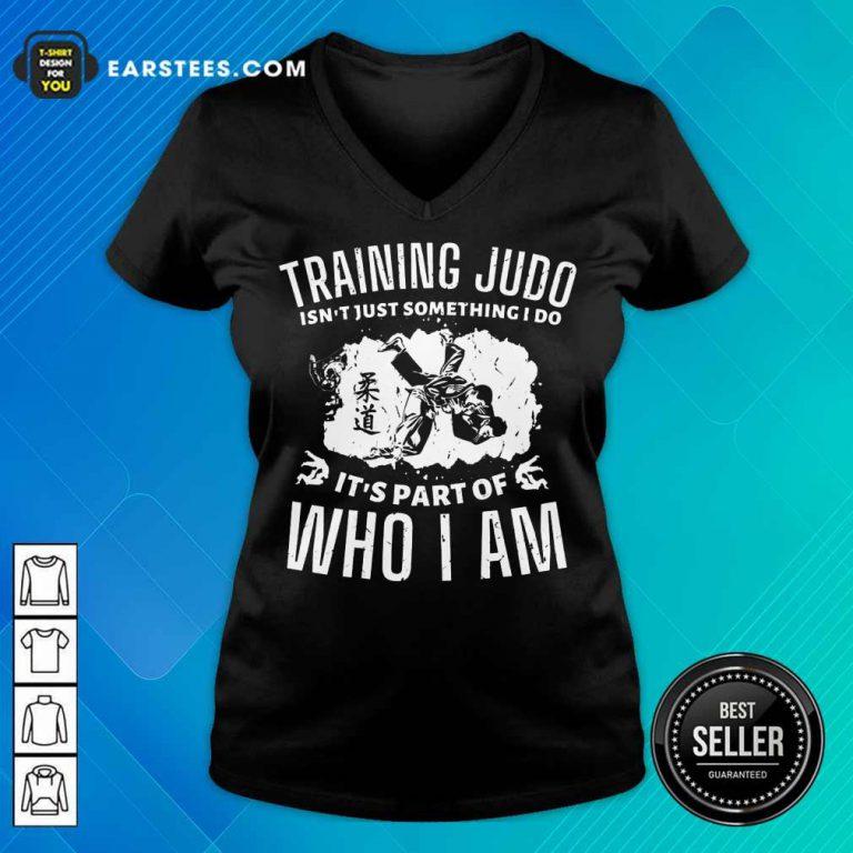 Nice Training Judo Who I Am V-Neck