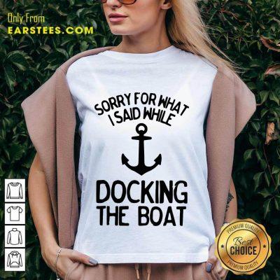 Top Docking The Boat Anchor V-Neck